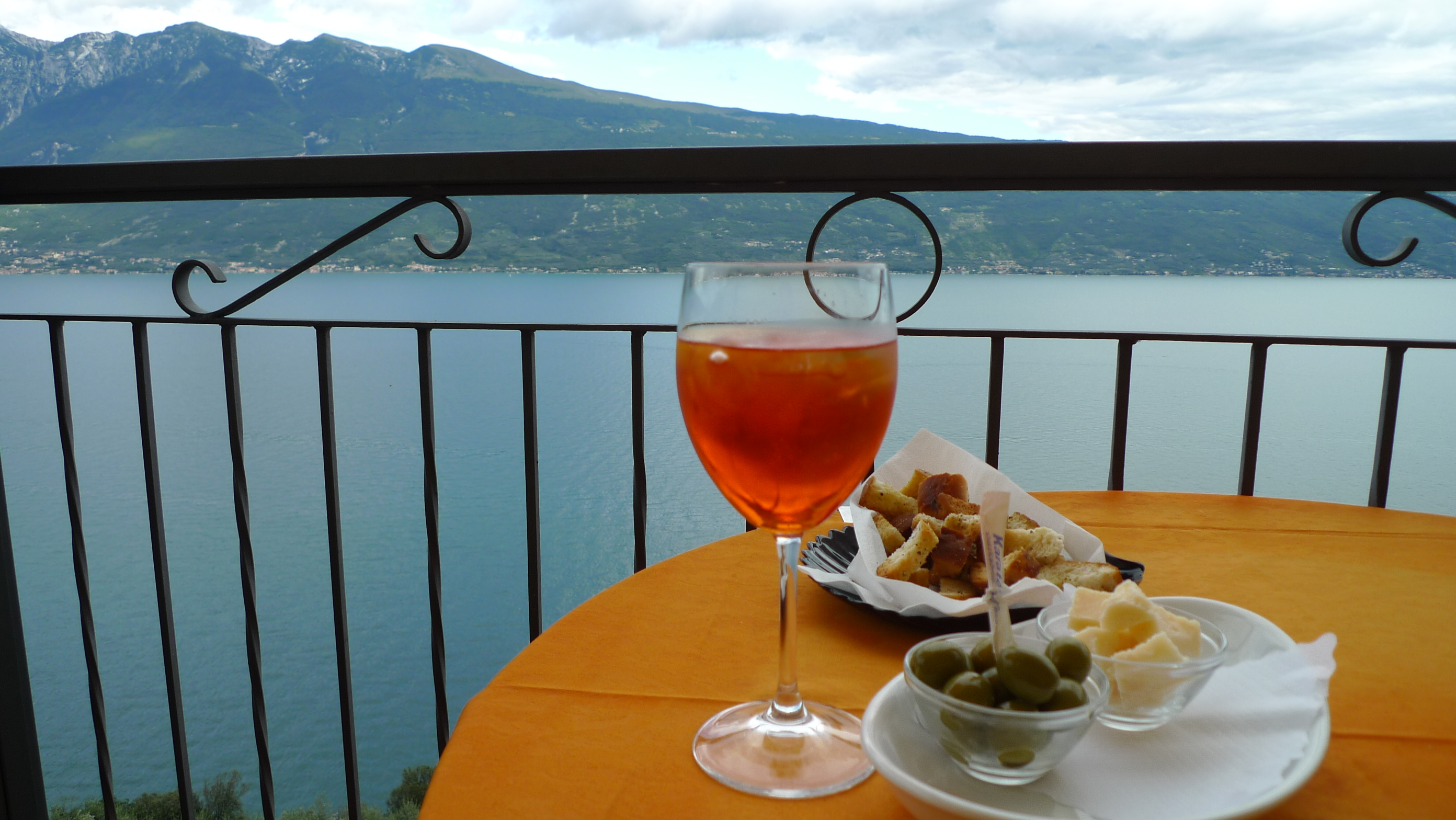 Aperitivo with view to East coast